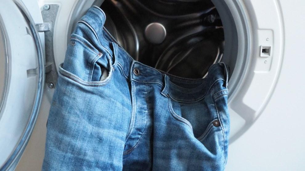 Jeans in Waschmaschine