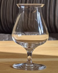Nosing Glas mit Stiel (breit)