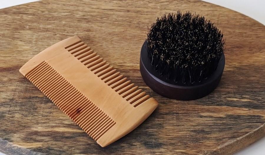 Bartbürste und Bartkamm