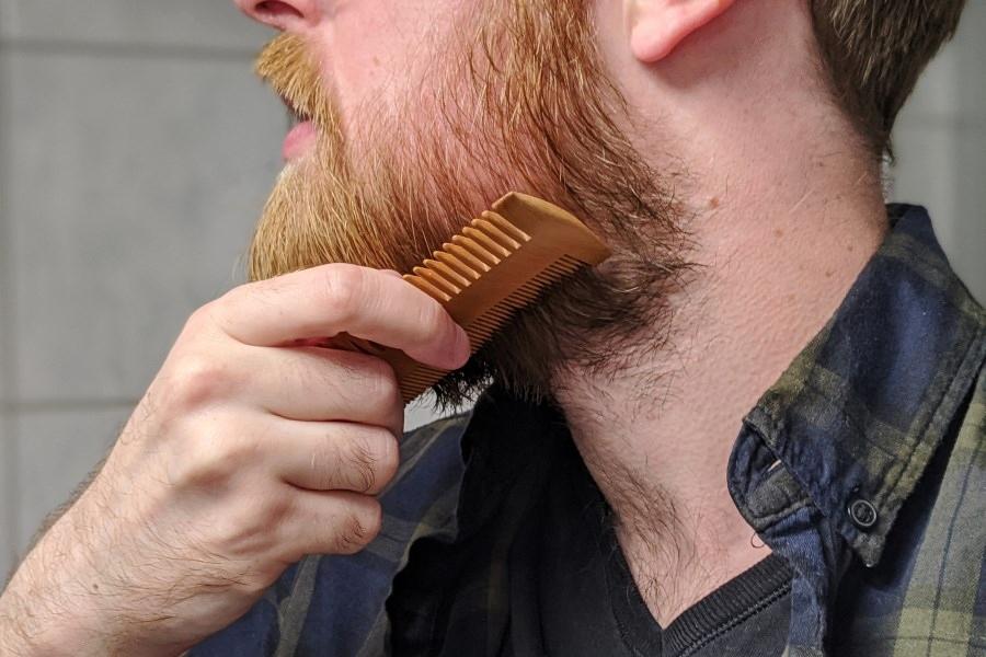 Bartkamm Anwendung