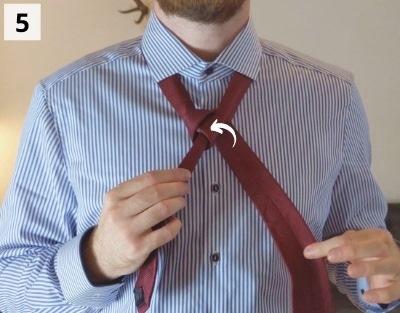 Einfacher Windsorknoten binden - Schritt 5