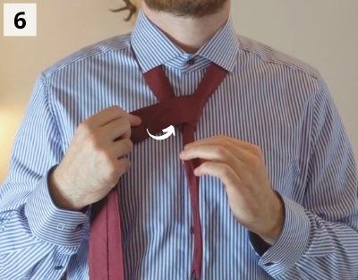 Einfacher Windsorknoten binden - Schritt 6