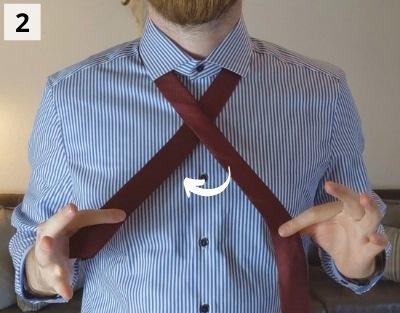 Prince-Albert-Krawattenknoten binden - Schritt 2