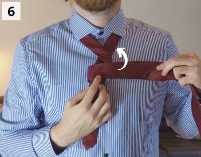 Prince-Albert-Krawattenknoten binden - Schritt 6