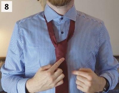 Prince-Albert-Krawattenknoten binden - Schritt 8